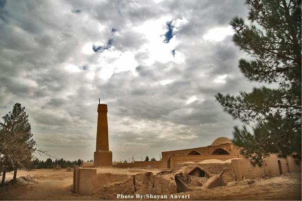 مسجد تک مناره عزآباد به فهرست آثار ملی ایران پیوست