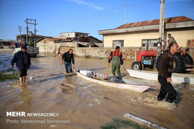 ارسال آذوقه به روستاهای مرزی گلستان با بالگرد، قطع آب 57 روستا