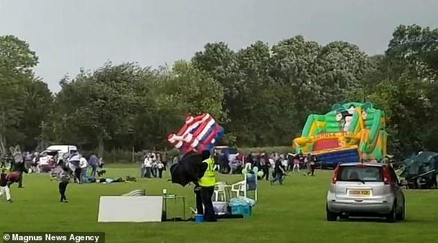 لحظه وحشتناک به هوا برخاستن قلعه های بادی !
