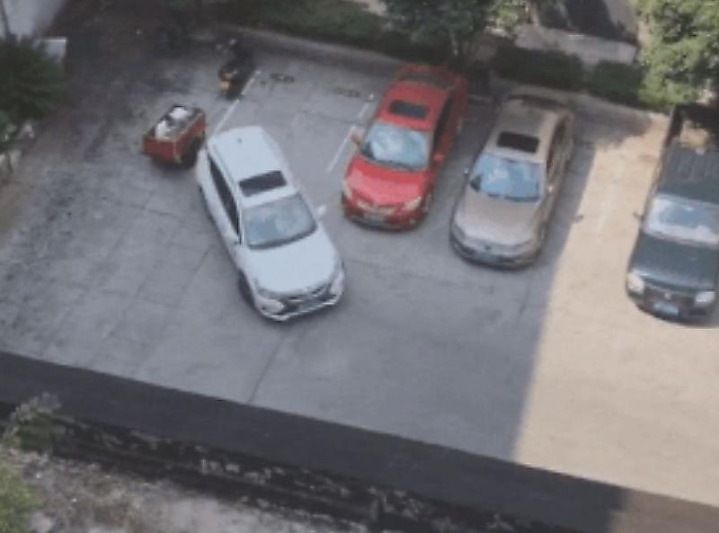پارک کردن خنده دار راننده چینی سوژه شبکه های مجازی شد
