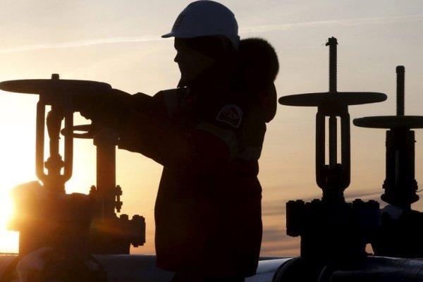 امضای تفاهم نفتی با ایتالیا و هلند، ایران هاب تجهیزات نفت می گردد