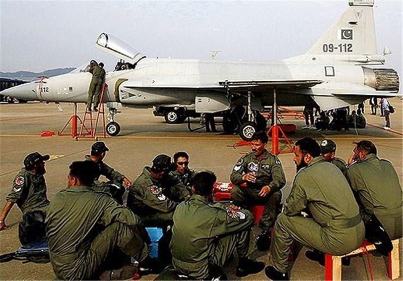 چین 50 فروند جنگنده به پاکستان تحویل می دهد