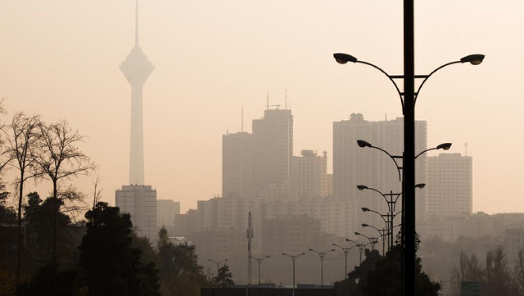 شرایط هوای تهران در 7 آذر؛ نفس پایتخت بریده شد