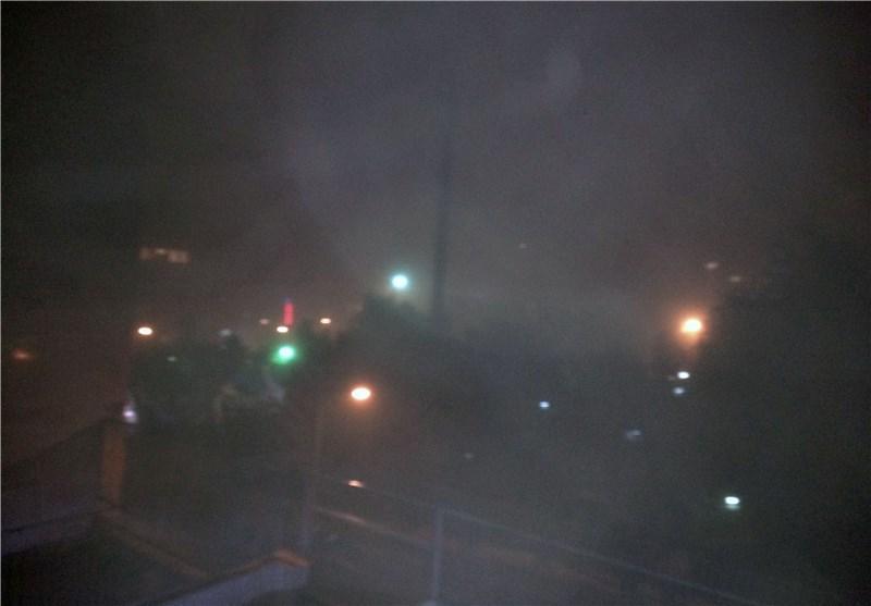 طوفانی با سرعت 80 کیلومتر همراه با گرد و خاک در راه اصفهان