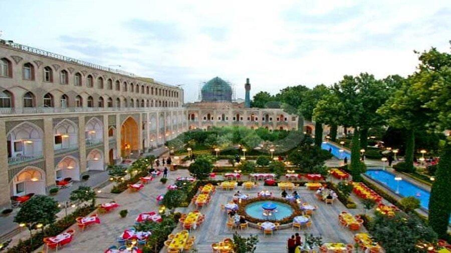 کرونا هتل عباسی اصفهان را پس از 53 سال به تعطیلی کشاند