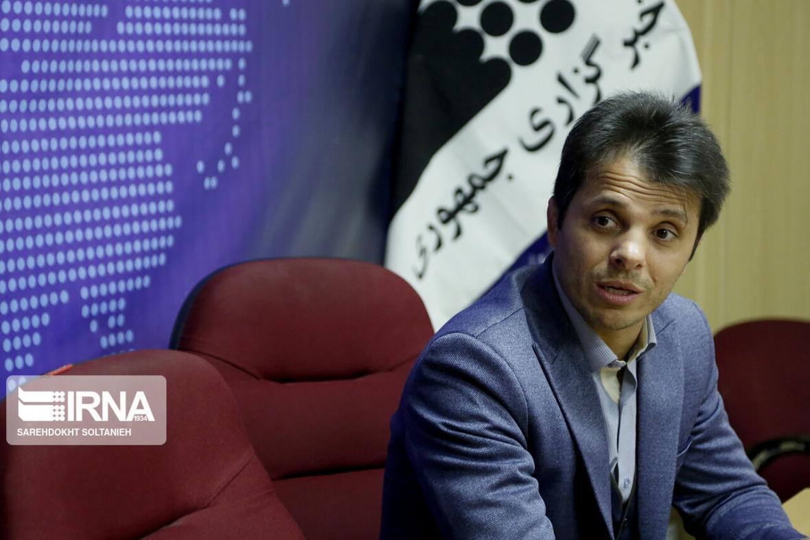 خبرنگاران پست مدیرعامل تازه وارد استقلال در وزارت ورزش به رنگرز رسید