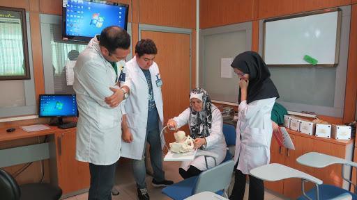 فعالیت های آموزشی و درمانی دانشجویان علوم پزشکی در بیمارستان امام خمینی شروع می گردد