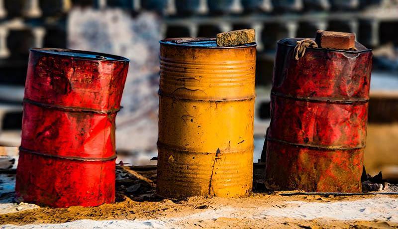 سقوط بیشتر قیمت های نفت در بازار جهانی