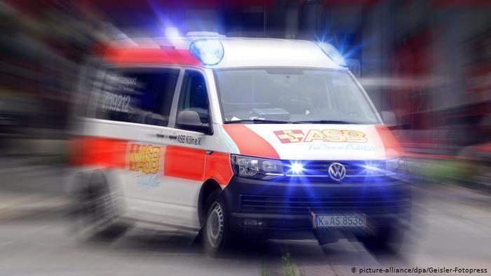 ضدعفونی کردن آمبولانس با لامپ