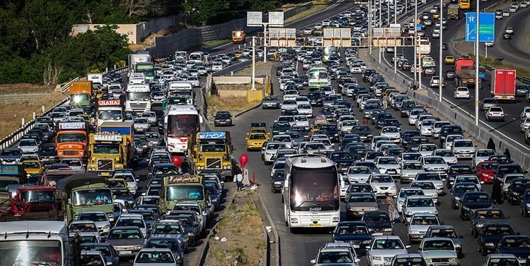 ترافیک نیمه سنگین شبانه در راستا های خروجی مازندران، ادامه محدودیت یک طرفه در محور های هراز و کندوان