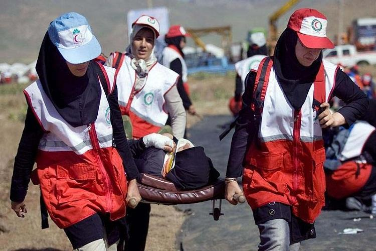 نجات دو زن حادثه دیده از خطر مرگ