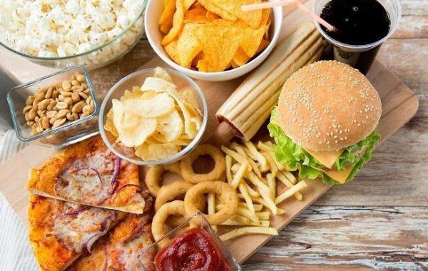خبرنگاران غذاهای فرآوری شده چه بلایی سرمان می آورند؟