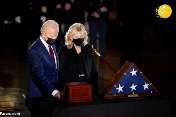 (تصاویر) ادای احترام جو بایدن و همسرش به افسر کشته شده در کنگره