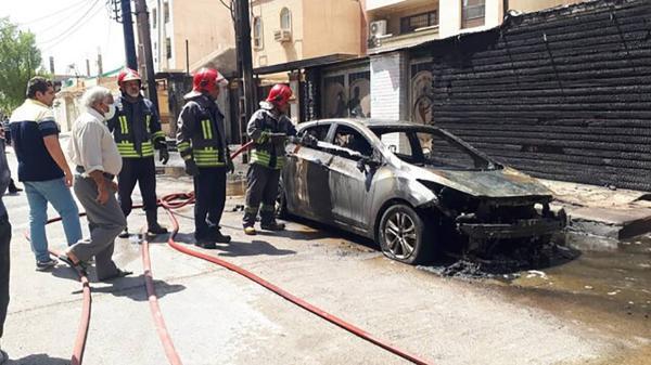 (ویدئو) انفجار ترانس برق در اهواز سه خودرو را به آتش کشید