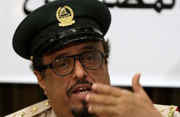 درگیری عجیب مقام اماراتی و نویسنده معروف سعودی